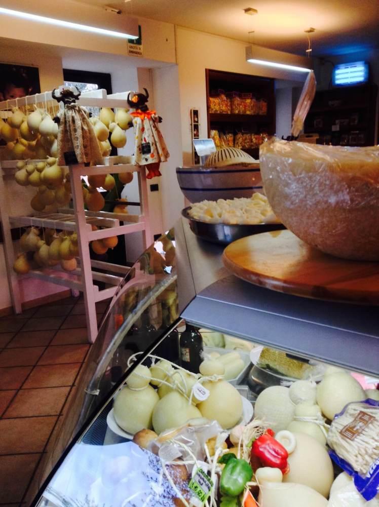 The cheese counter and shop at Caseificio Casaro