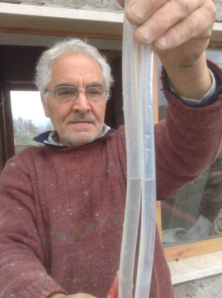 Antonio and the water level measure