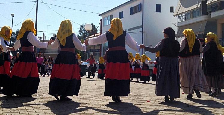 Dancing ladies in traditional dress