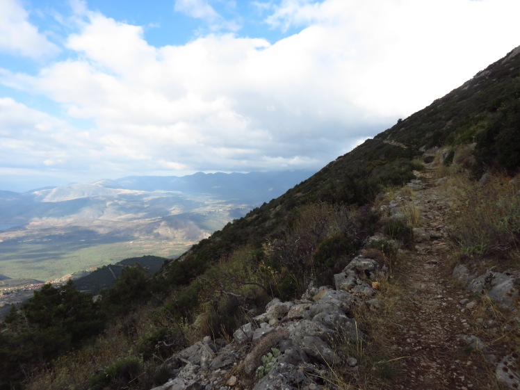 The E4 climbing from Delphi and the stunning view