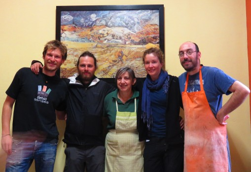 Kostas (far left), Vasiliki (middle) with 3 very happy travellers